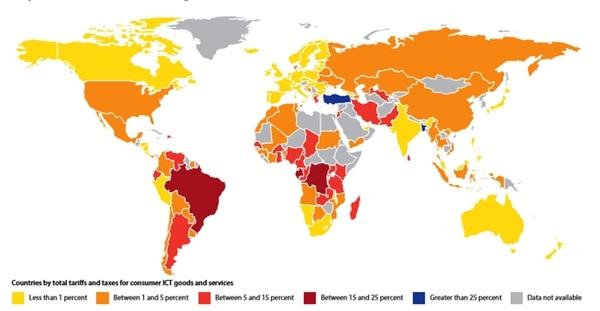 En tonos de rojo fuerte, los países con más aranceles e impuestos a tecnologías de información y comunicación (TIC)