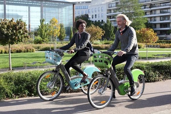 """Nada es comparable al sencillo placer de dar un paseo en bicicleta"" John F. Kennedy"