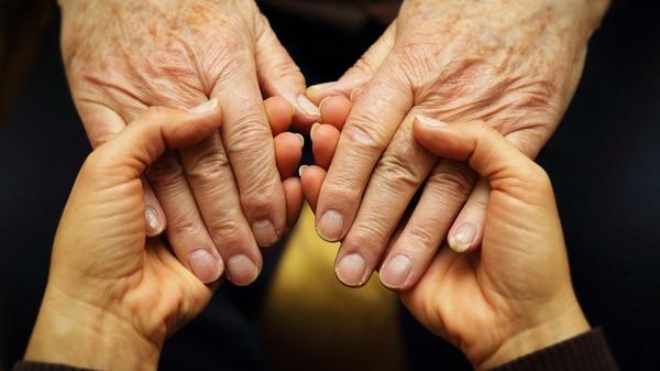 La cuarta edad hace referencia a la última parte de la vida, a la vejez avanzada. Adultos mayores a partir de los 80 años (Getty)