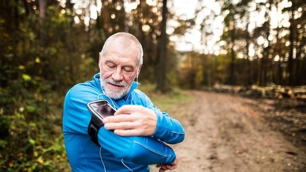 Uno de los conceptos que definen a la cuarta edad es que la vida comienza a parecerse más a un maratón que a una carrera. (Getty)