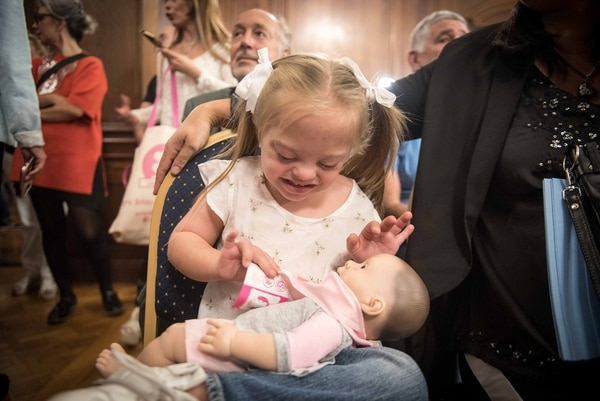 El objetivo de este bebé con rasgos de niño con síndrome de Down es promover la inclusión desde la infancia