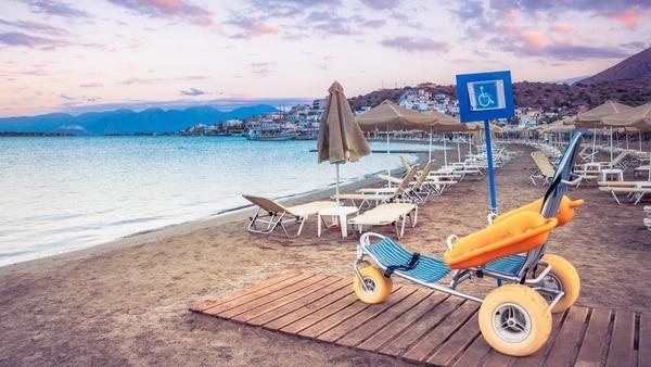 Las tres sillas anfibias formarán parte de las playas accesibles de Santa Teresita (Getty)